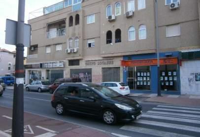 Local comercial en calle de Miguel Induráin, nº 13